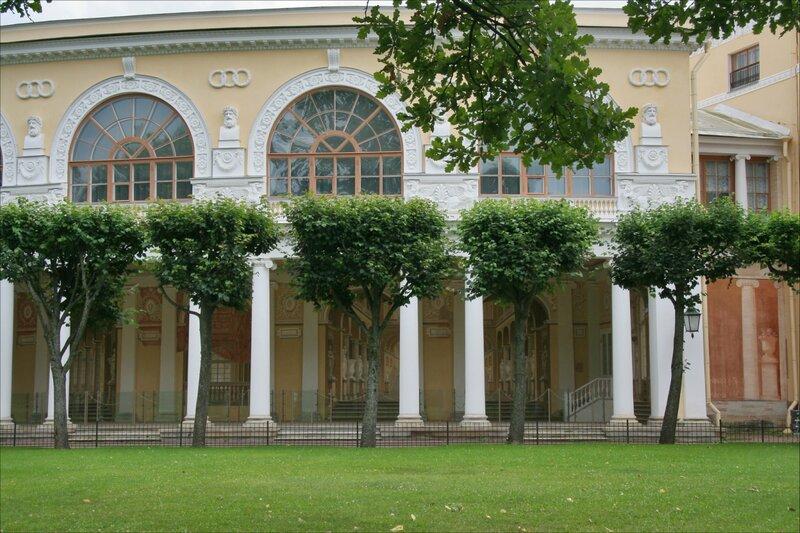 Павловский парк, Галерея Павловского дворца