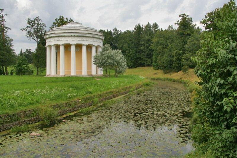 Павловский парк, Храм Дружбы