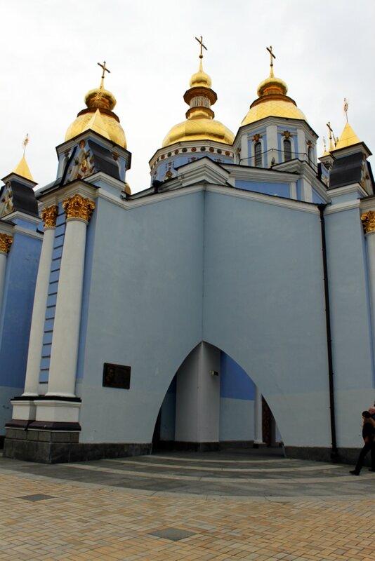 Ниша Михайловского собора