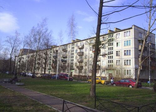 пр. Космонавтов 18к2