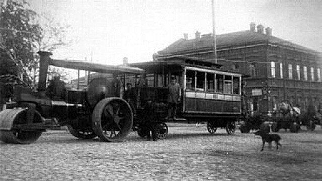 1920е паровой омнибус в Перми.jpg