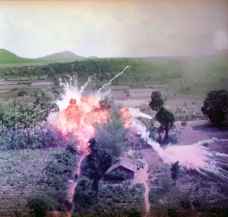 1965_Napalm_Vietnam.jpg