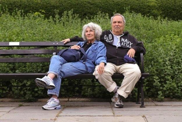 Престарелые пары, чувства которых не угасли