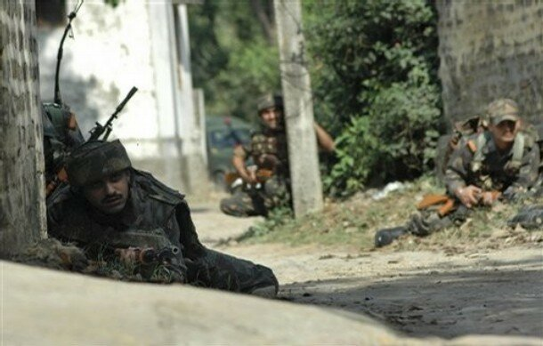 India Kashmir Gunbattle