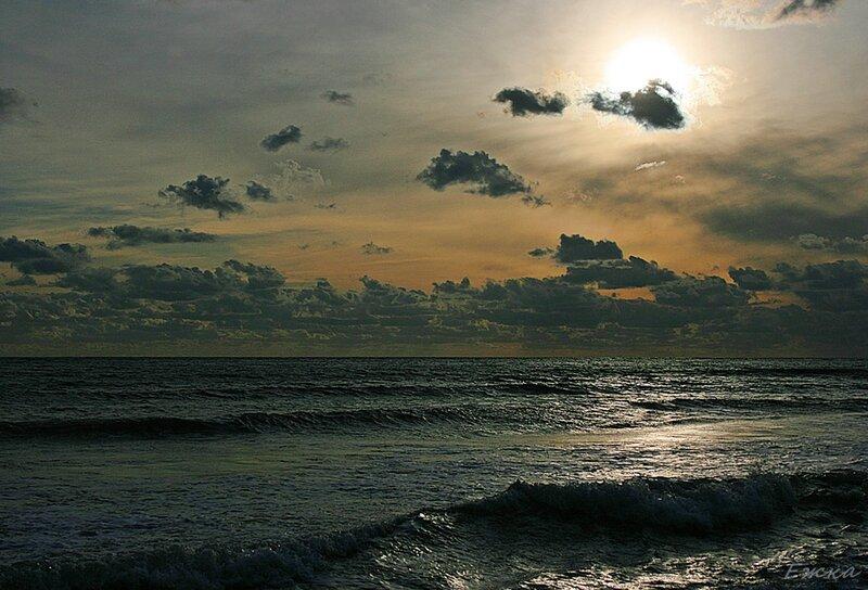 Крым. Море зимой