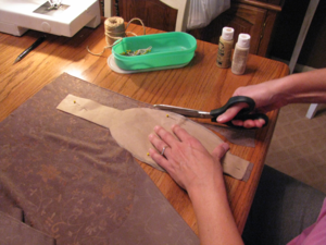 мягкие текстильные тыквы своими руками, как сделать тыкву из ткани своими руками мастер-класс, тыквы из ткани идеи, красивые тыквы из ткани фото, как сшить тыкву из ткани, как сшить подушку в виде тыквы, как сшить игольницу в виде тыквы своими руками, простой мастер-класс по изготовлению текстильной тыквы, тыквы из текстиля идеи, красивые тыквы из текстиля фото, красивые тыквы из разных материалов, как легко сшить тыкву мастер-класс, из чего можно сделать тыку, красивые игольницы из ткани, красивые диванные подушки, мягкая игрушка тыква мастер-класс, тыква в винтажном стиле, тыква в стиле шебби шик, тыква из трикотажа, как украсить текстильную тыкву идеи, тыквы для уклонения дома, осенний декор для дома в виде тыковок, оригинальные тыквы из текстиля, украшения для интерьера в виде тыквы, интерьерный декор на день Благодарения, интерьерный декор на праздник урожая, осенний декор, игольницы в виде овощей, подушки в виде овощей идеи, мастер-клааа по шитью тыквы, как сшить подушку тыкву мастер клас с пошаговым фото, как сшить игольницу пошаговый мастер-класс, Веселые тыквы из цветных тканей (МК), Игольница «Тыква» своими руками, Красивая фигурная тыква из ткани Текстильная тыква с хвостиком (МК), Тыква-игольница — оранжевое осеннее настроение, «Тыква» — декоративная подушка (МК), Тыковка за 20 минут для не умеющих шить Тыковка с фигурными листиками, Фигурная тыква с бантиком (МК),тыквы винтажные, Красивые текстильные тыквы: мастер-классы и идеи, Hallows' Eve, All Saints' Eve, на Хэллоуин, тыквы, тыквы текстильные, тыквы из ткани, тыквы для интерьера, тыквы текстильные, тыквы на Хэллоуин, тыквы своими руками, своими руками, интерьерный декор, декор на Хэллоуин, мастер-классы, Хэллоуин, идеи текстильных тыкв, фотоидеи, праздничный декор, День Благодарения, Праздник урожая, украшение интерьера тыквами, Красивые текстильные тыквы: мастер-классы и идеи, http://prazdnichnymir.ru/, Винтажные тыквы из ткани на Хэллоуин своими руками