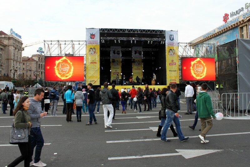 Главная сцена Жовтень Fest на Крещатике