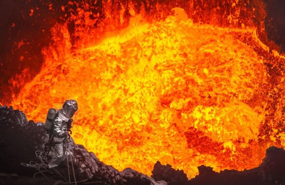 фото жерло вулкана