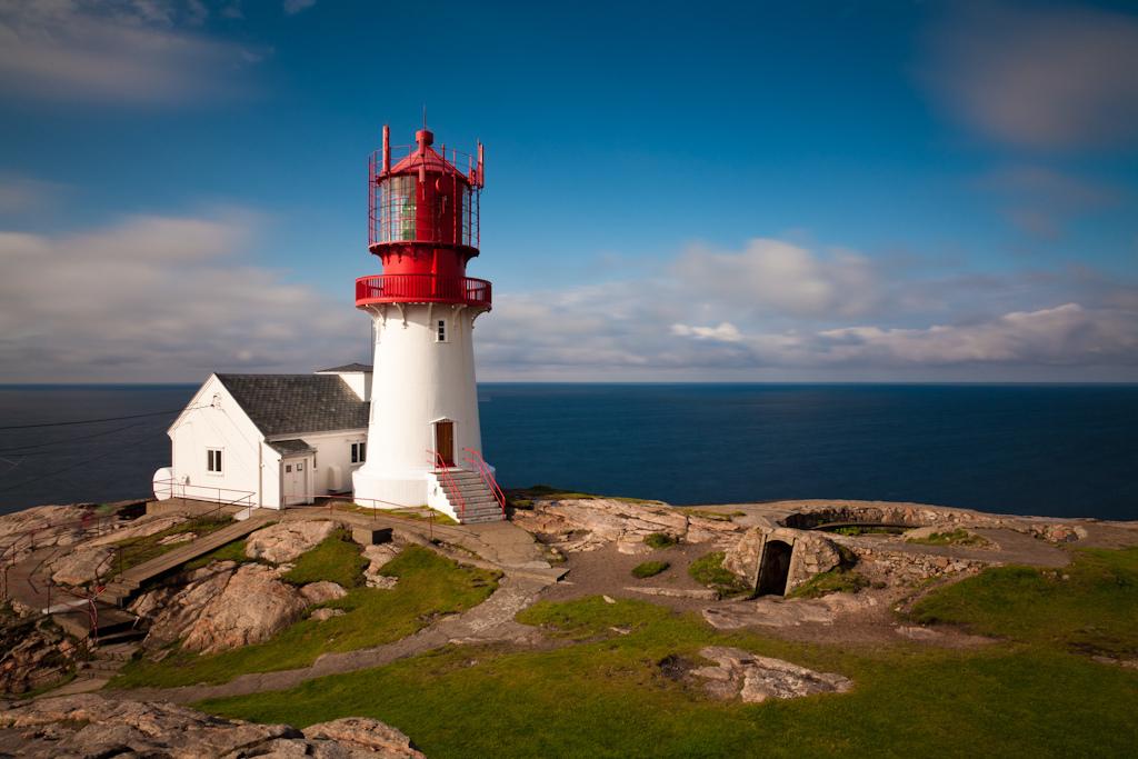 Блоги. Маяк Линдеснес. Линдеснес, берегами, Норвегии, части, более, морских, судов, южной, навигации, важную, точки, позицию, зрения, занял, песчаными, Дании, Среди, континентальной, скалистыми, которые