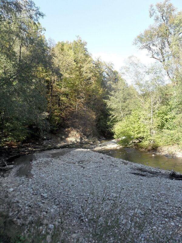 У реки, Кавказ, сентябрь 2012