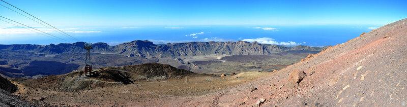 Вид с конечной станции канатной дороги на вершине вулкана Тейде, Тенерифе