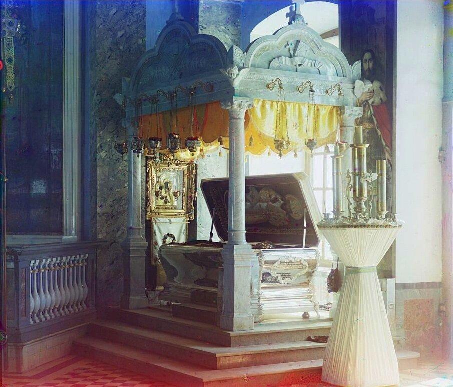 Рака с мощами прп. Димитрия Ростовского в Спасо-Яковлевском монастыре,Зачатьевский храм,1911