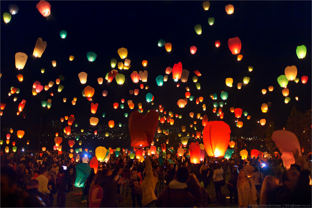 Небесные фонарики в Митино.