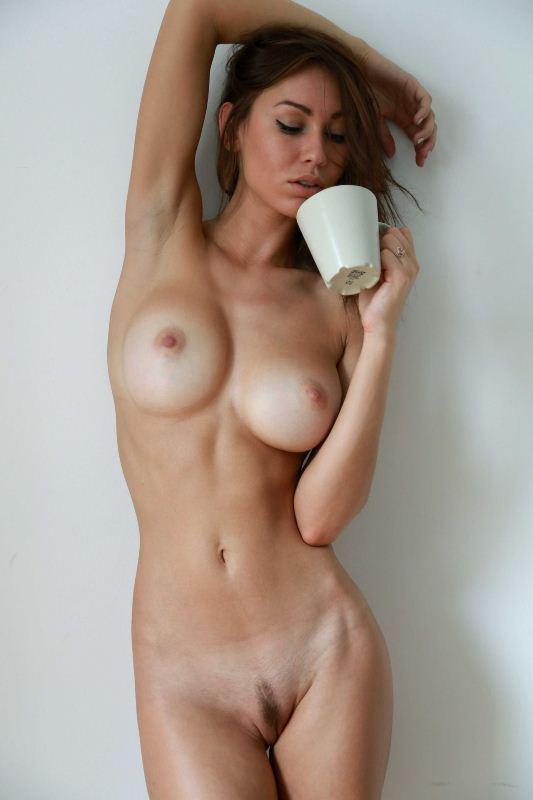 очень красивые голые дамы фото