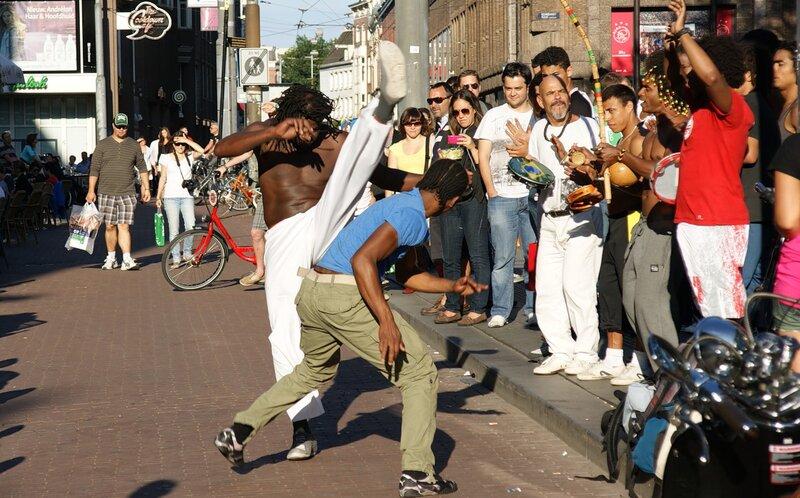 Капорейра на улицах Амстердама