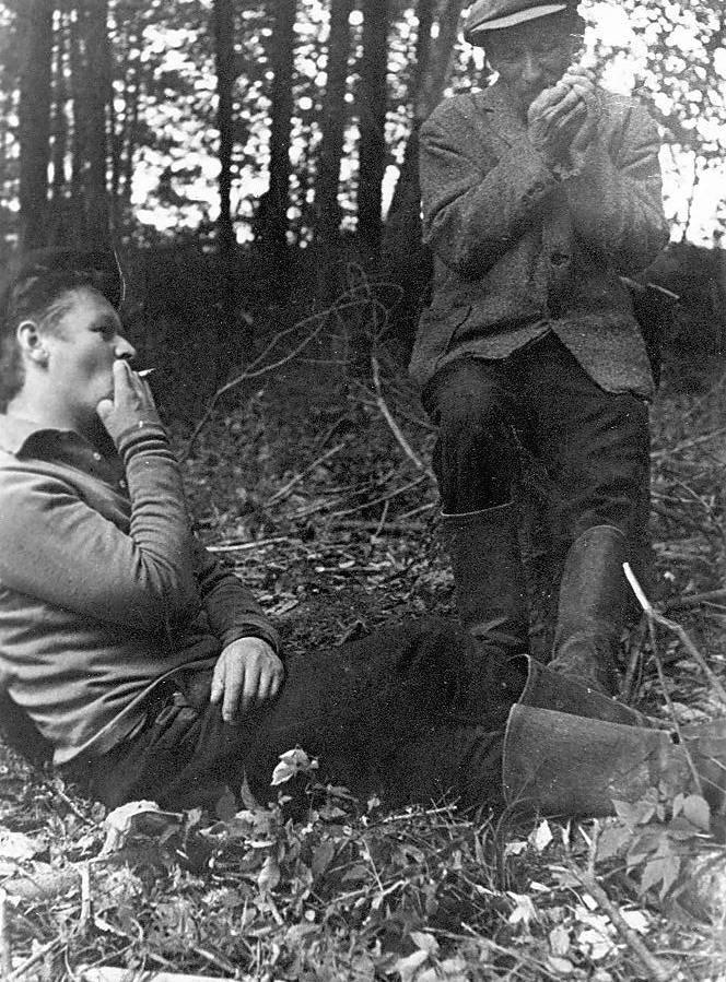 дедушка с поэтом Демьяновым, конец 60-х гг..jpg