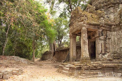 одно из сооружений на территории Ангкора