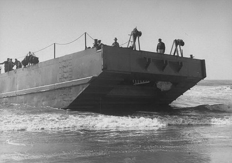 Подвиг четырех советских моряков