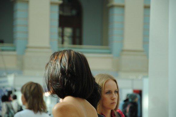 девушки со спины с короткой стрижкой фото