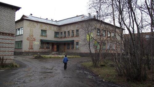 Фотография Инты №2042  Северо-западный угол дома Дзержинского 27 12.10.2012_13:18