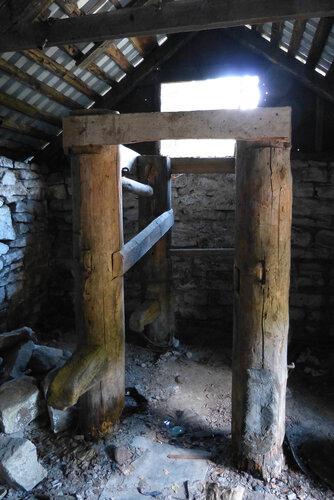 Электростанция Пороги фото стойла для ковки лошадей кузницы