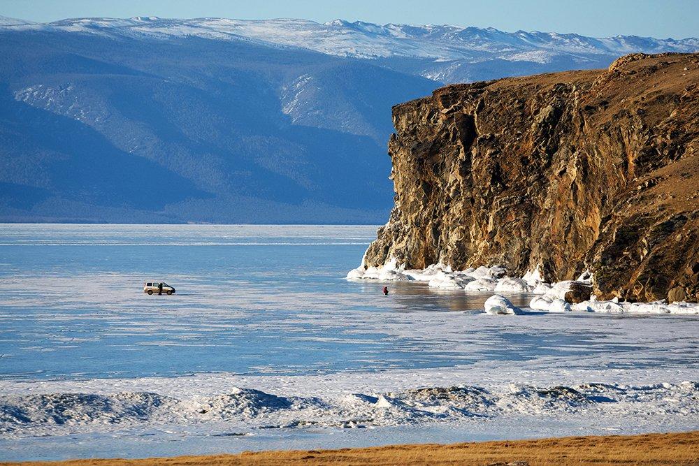 Байкал — озеро тектонического происхождения в южной части Восточной Сибири, самое глубокое озеро на