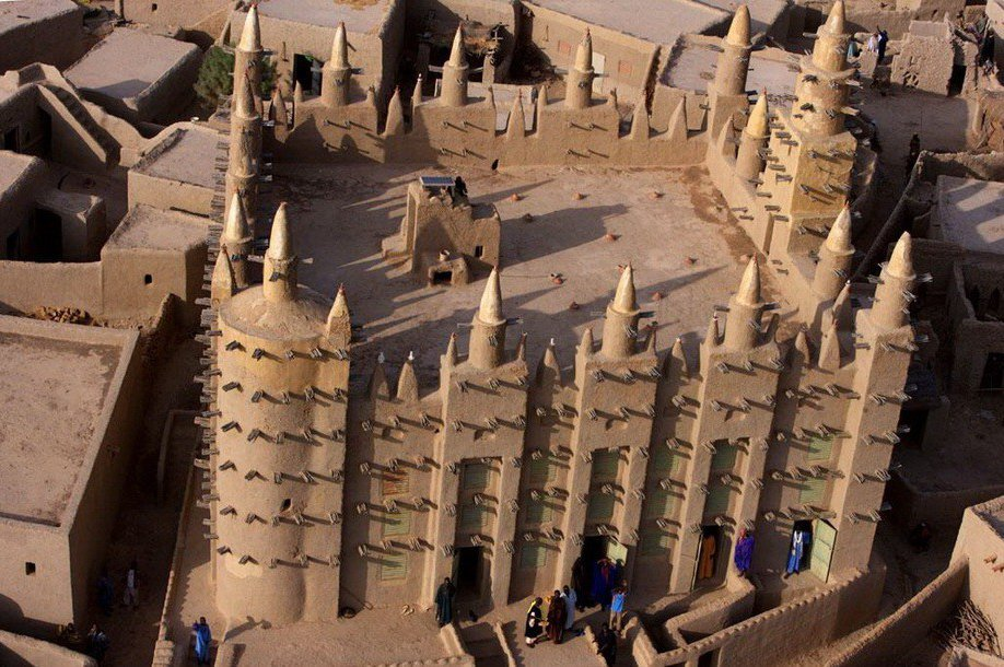 13. Мечеть в Мали.