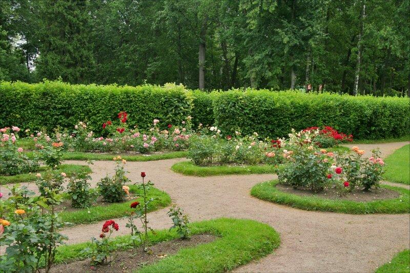 Павловский парк, Лабиринт и розарий