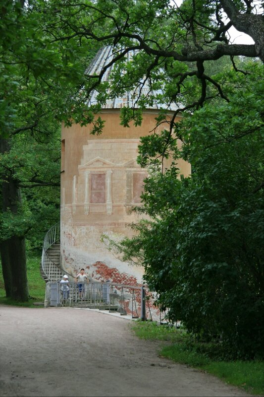 Павловский парк, Пиль-башня