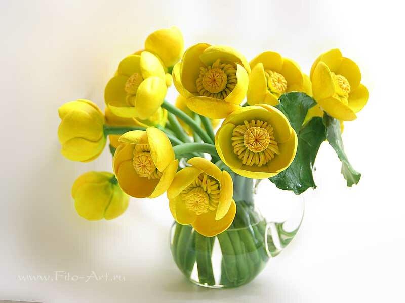 желтые кувшинки из полимерной глины