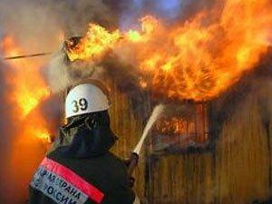 В депо локомотивно-ремонтного завода в Уссурийске пожарные боролись с огнем более пяти часов
