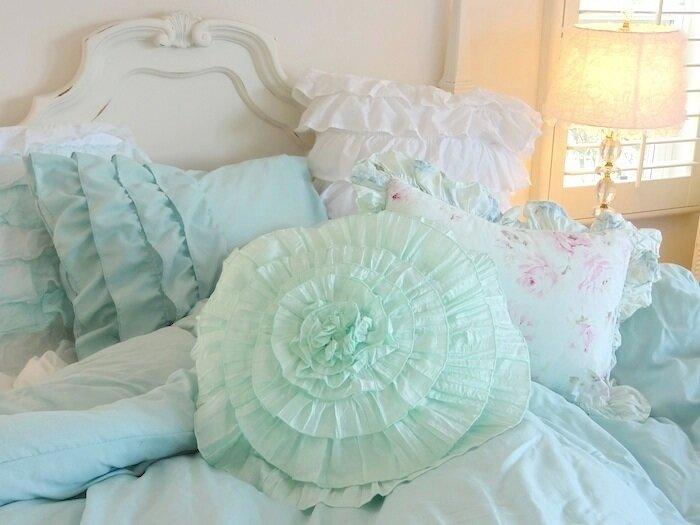 Подушки, постельные принадлежности, домашний декор в стиле шебби шик. Обсуждение на LiveInternet - Российский Сервис Онлайн-Днев