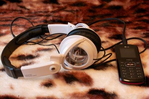 Cresyn CS-HP500 и LG GB170
