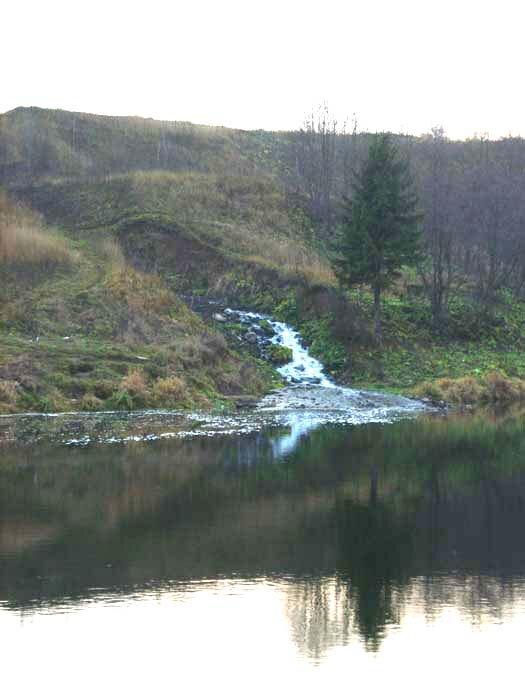 полушкинские карьеры, водопад в Григорово