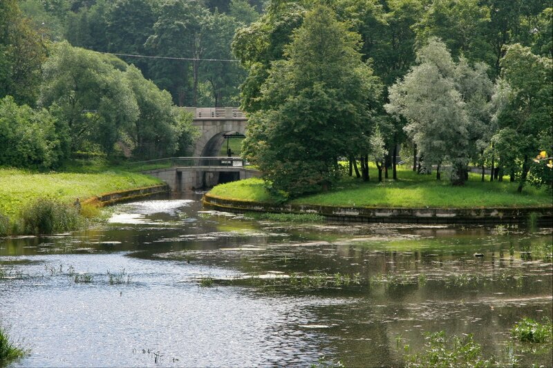 Павловский парк, Дворцовая запруда, остров Каменный и Большой каменный мост