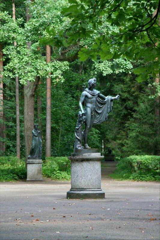 Павловский парк, Двенадцать дорожек
