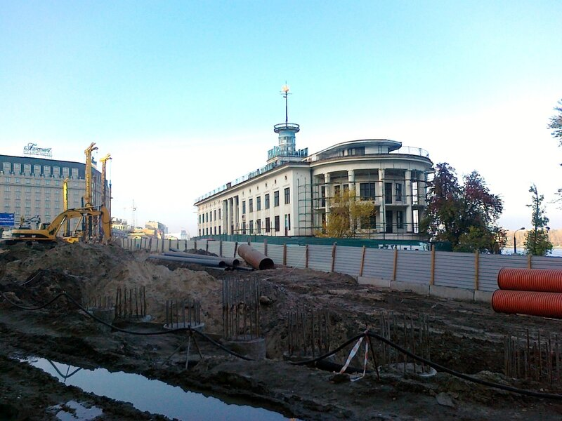 Сваи будущего тоннеля на Почтовой площади