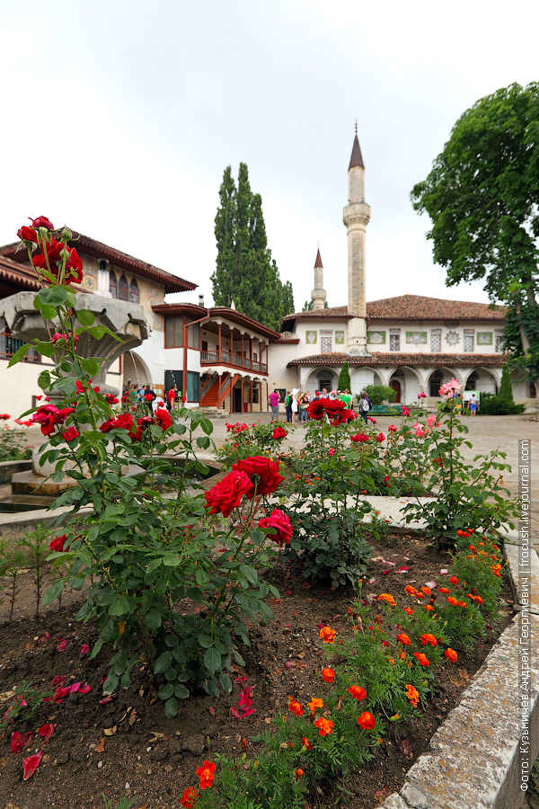 Ханский дворец фонтан