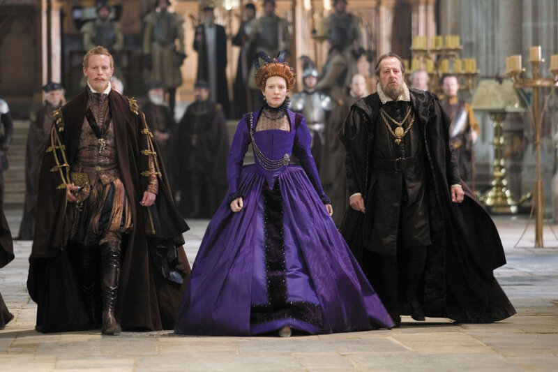 Laurence Fox (Sir Christopher Hatton), Cate Blanchett (Elizabeth) and Geoffrey Rush (Sir Francis Walsingham) in Elizabeth: The Golden Age.