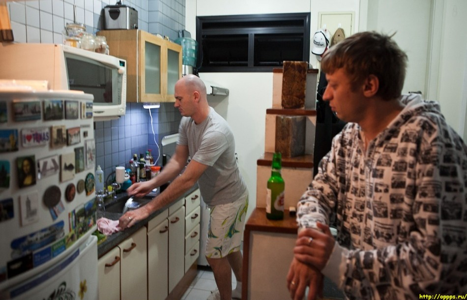 снять гея в бразилии