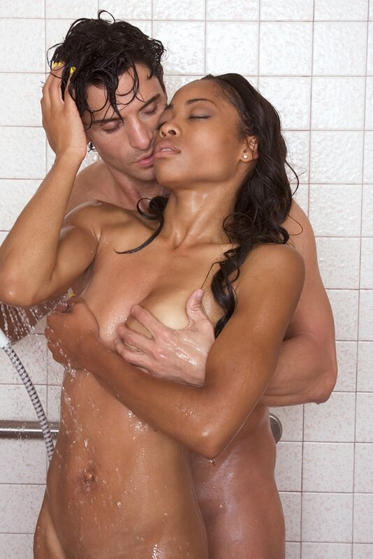 kissing-whilst-naked-in-the-shower-horny-moms-and-teen
