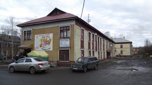 Фото города Инта №2025  Дворы домов Кирова 25 и 23 07.10.2012_14:16