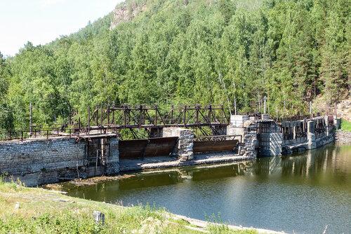 Электростанция Пороги фото водохранилища на реке Верхняя сатка