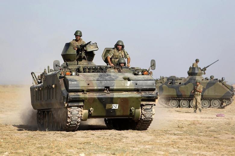 Турецкая танковая колонна сбоем прорвалась вАлеппо