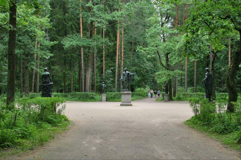 Павловский парк. Двенадцать дорожек