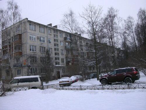 ул. Ленсовета 76