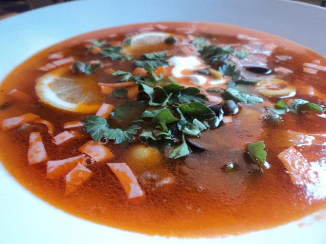Суп солянка мясная из сковородки - пошаговый рецепт с фото