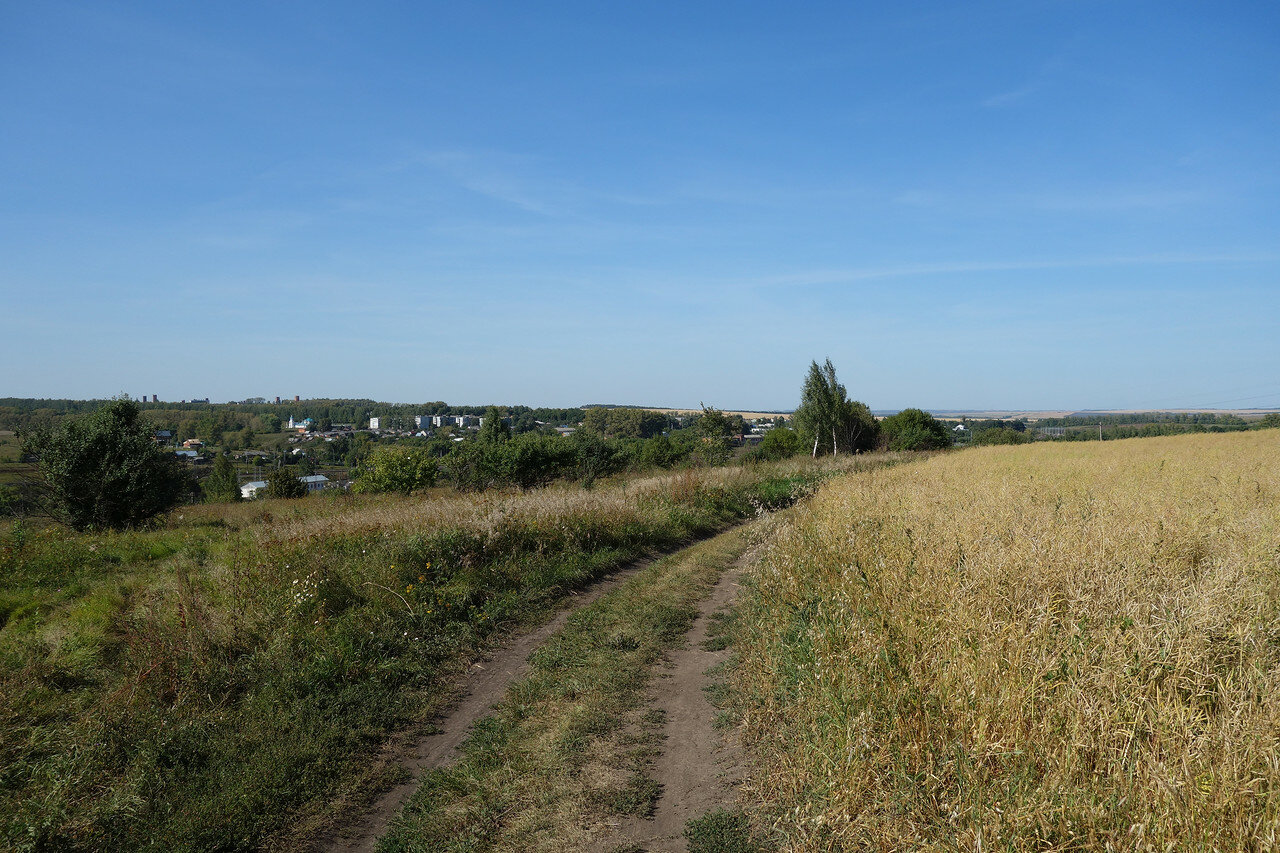 вид на поселок и станцию Лазарево