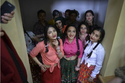 Две женщины цыганской национальности - на должность советников