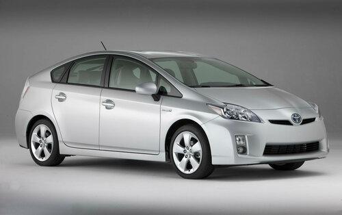 Лидером продаж в Японии стал Toyota Prius